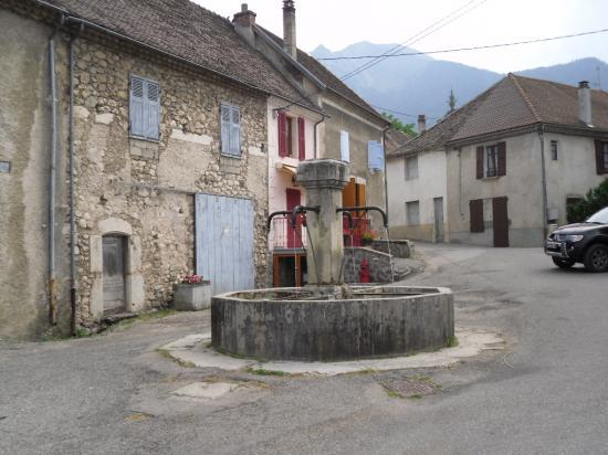 village de Lalley